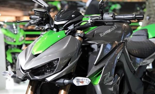 Kawasaki Z1000 And Ninja 1000 Review Price Specs